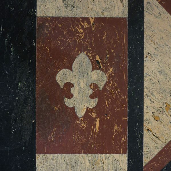 Saint Anne, Detroit floor detail