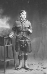 Thomas Lozon Bushey, born 1897, WWI, Essex Highlanders. Courtesy of Denise Klarer.