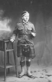 Thomas Lozon Bushey, born 1897, WWI, Essex Highlanders. Courtesy of Denise Klarer.